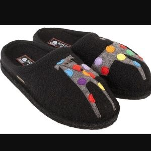 Haflinger Jack Doggy Slipper	Black Boiled Wool